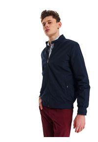 Niebieska kurtka TOP SECRET ze stójką, krótka, w kolorowe wzory, na wiosnę