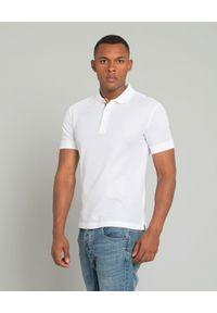 Burberry - BURBERRY - Biała koszulka z monogramem. Okazja: na co dzień. Typ kołnierza: polo. Kolor: biały. Materiał: bawełna, prążkowany. Wzór: haft. Styl: sportowy, klasyczny, elegancki, casual