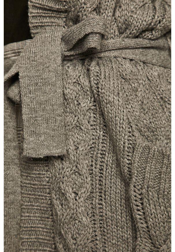 Szary sweter rozpinany medicine