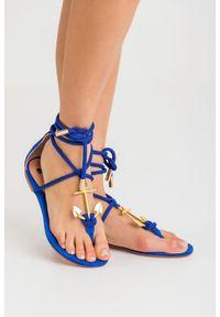 Sandały Elisabetta Franchi na lato, w kolorowe wzory