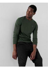 4f - Longsleeve regular męski. Kolor: zielony. Materiał: bawełna, dzianina. Długość rękawa: długi rękaw