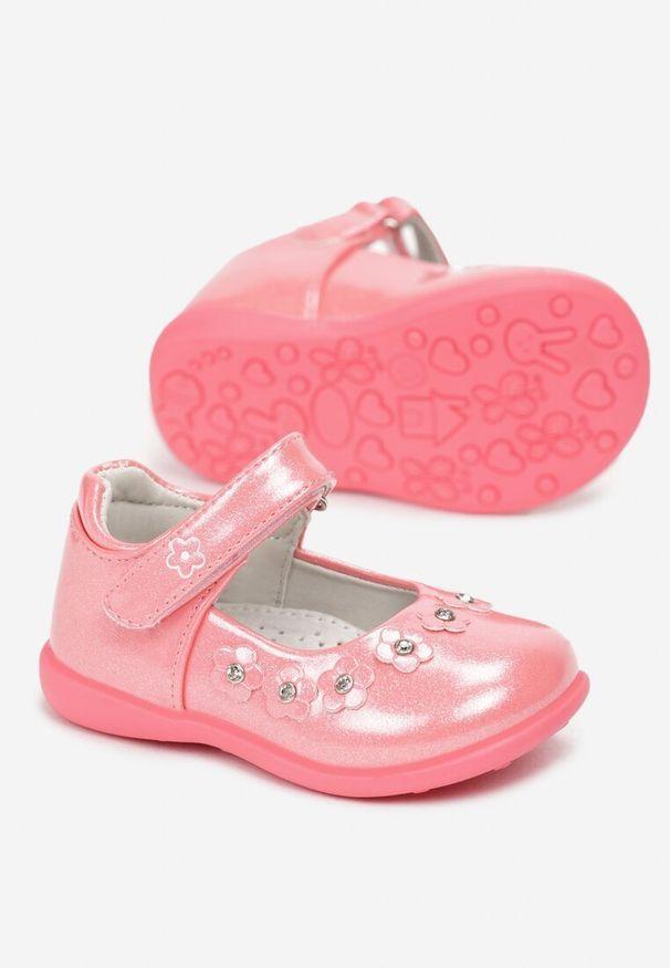 Różowe baleriny Born2be