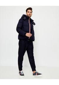 MONCLER - Granatowa kurtka Brazeau. Kolor: niebieski. Materiał: wełna, puch. Długość rękawa: długi rękaw. Długość: długie. Sezon: zima