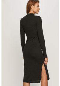 Czarna sukienka Noisy may prosta, midi, casualowa, z długim rękawem