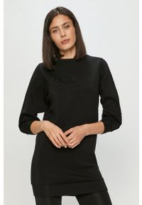 Guess - Sukienka. Okazja: na co dzień. Kolor: czarny. Materiał: wiskoza, dzianina, materiał. Długość rękawa: długi rękaw. Wzór: aplikacja. Typ sukienki: proste. Styl: casual