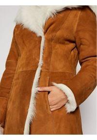 Ugg Płaszcz zimowy 1017644 Brązowy Regular Fit. Kolor: brązowy. Sezon: zima #4