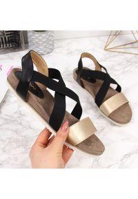 Czarne sandały eVento