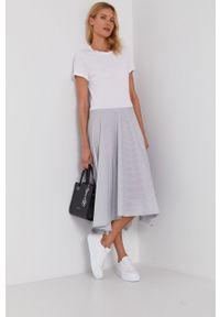 DKNY - Dkny - Sukienka. Kolor: biały. Materiał: materiał. Długość rękawa: krótki rękaw. Typ sukienki: asymetryczne, rozkloszowane