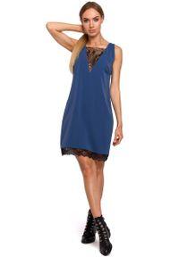 MOE - Niebieska Elegancka Luźna Sukienka z Koronką. Kolor: niebieski. Materiał: koronka. Wzór: koronka. Styl: elegancki
