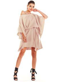 e-margeritka - Sukienka kimonowa z paskiem beżowa - uni. Okazja: na imprezę. Kolor: beżowy. Materiał: poliester, materiał, elastan. Typ sukienki: oversize. Styl: elegancki