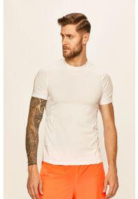 Biały t-shirt Craft na co dzień, casualowy