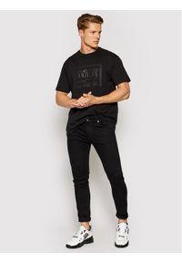 Versace Jeans Couture T-Shirt Piece Nr Rub 71GAHT13 Czarny Regular Fit. Kolor: czarny