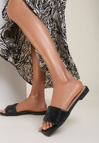 Renee - Czarne Klapki Phrixyphise. Nosek buta: otwarty. Kolor: czarny. Sezon: lato