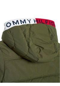 TOMMY HILFIGER - Tommy Hilfiger Kurtka puchowa Essential KB0KB05982 D Zielony Regular Fit. Kolor: zielony. Materiał: puch