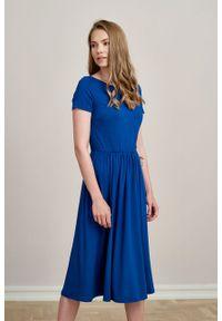 Marie Zélie - Sukienka Emelina atramentowa mikromodal krótki rękaw. Kolor: niebieski. Materiał: wiskoza, dzianina, elastan, włókno, skóra, guma. Długość rękawa: krótki rękaw. Styl: klasyczny. Długość: midi
