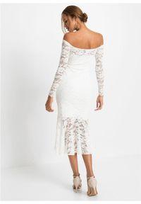 Biała sukienka bonprix na wesele, w koronkowe wzory