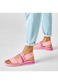 Różowe sandały Love Moschino na co dzień, casualowe