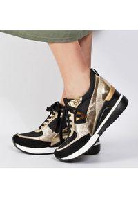 Sneakersy półbuty damskie POTOCKI 10574 BK/GL. Kolor: złoty. Materiał: tkanina, skóra. Obcas: na koturnie. Styl: klasyczny. Wysokość obcasa: średni
