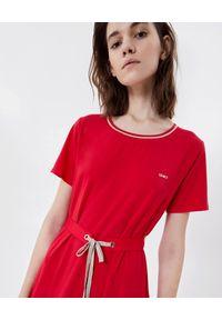 Czerwona sukienka Liu Jo midi, z aplikacjami, na wiosnę
