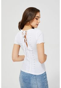 MOODO - Bluzka z wiązaniem na plecach. Materiał: elastan, poliester. Długość rękawa: krótki rękaw. Długość: krótkie
