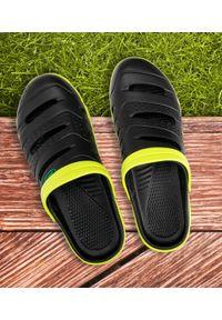 REALPAKS - Klapki męskie Realpaks SLM-09 Czarno-Zielone. Okazja: na plażę. Zapięcie: bez zapięcia. Kolor: czarny, zielony, wielokolorowy. Materiał: tworzywo sztuczne. Obcas: na obcasie. Wysokość obcasa: niski. Sport: pływanie