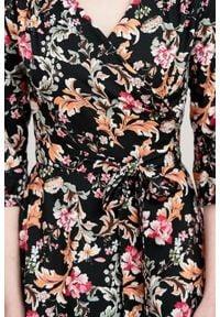Marie Zélie - Sukienka Duilin Dianthus. Materiał: tkanina, bawełna, wiskoza. Typ sukienki: kopertowe