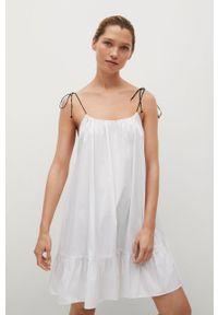 mango - Mango - Sukienka bawełniana BIBI. Kolor: biały. Materiał: bawełna. Długość rękawa: na ramiączkach. Typ sukienki: rozkloszowane