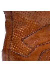 Brązowe sneakersy Kazar z aplikacjami, z cholewką
