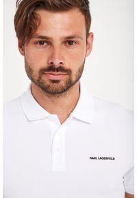 Karl Lagerfeld - POLO KARL LAGERFELD. Typ kołnierza: polo. Materiał: guma. Długość: krótkie. Wzór: napisy. Styl: klasyczny