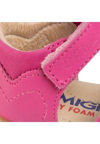 Różowe sandały Primigi z aplikacjami