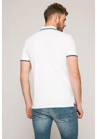 Selected - T-shirt. Okazja: na co dzień. Kolor: biały. Materiał: dzianina. Długość: krótkie. Styl: casual