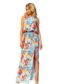 Niebieska długa sukienka Numoco w kwiaty