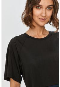 Czarna bluzka Desigual Sport z okrągłym kołnierzem, sportowa, z nadrukiem