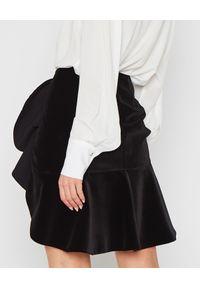 MARLU - Czarna welurowa spódnica z falbaną. Kolor: czarny. Materiał: welur. Styl: wizytowy, elegancki