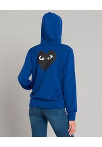 COMME DES GARCONS PLAY - Niebieska bluza z czarnymi sercami. Okazja: na co dzień. Kolor: niebieski. Materiał: jeans, materiał. Sezon: jesień, lato. Styl: casual