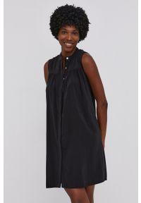 Answear Lab - Sukienka. Kolor: czarny. Materiał: tkanina. Wzór: gładki. Typ sukienki: rozkloszowane. Styl: wakacyjny