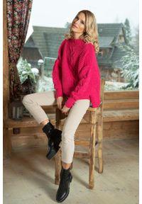 Różowy sweter oversize Fobya