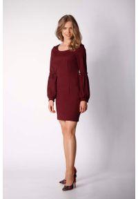 Nommo - Bordowa Klasyczna Mini Sukienka Dzienno-wizytowa. Kolor: czerwony. Materiał: wiskoza, poliester. Styl: wizytowy, klasyczny. Długość: mini