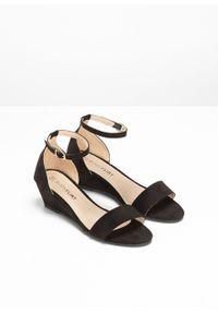Czarne sandały bonprix eleganckie, na koturnie