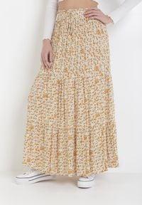 Born2be - Żółta Spódnica Pallemei. Kolor: żółty