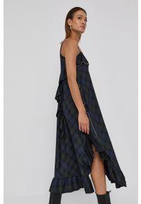 Beatrice B - Sukienka. Okazja: na co dzień. Kolor: niebieski. Materiał: tkanina. Długość rękawa: na ramiączkach. Typ sukienki: proste. Styl: casual
