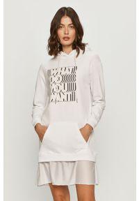 Biała sukienka Silvian Heach prosta, na co dzień, z nadrukiem