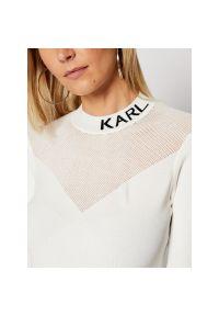 Biały sweter Karl Lagerfeld z dekoltem karo