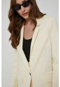 Victoria Victoria Beckham - Marynarka. Kolor: beżowy. Materiał: tkanina. Wzór: gładki. Styl: klasyczny