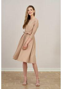 Marie Zélie - Sukienka Anastazja ciemny taupe. Materiał: bawełna, dzianina, materiał, elastan, skóra. Typ sukienki: rozkloszowane. Styl: klasyczny