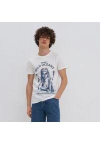 House - Koszulka z nadrukiem Wild Oceans - Kremowy. Kolor: kremowy. Wzór: nadruk