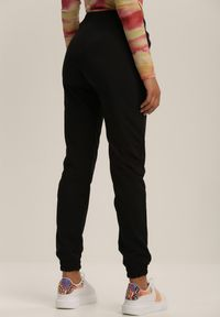 Czarne spodnie dresowe Renee
