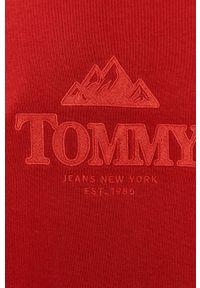 Czerwona bluza nierozpinana Tommy Jeans bez kaptura, na co dzień, z aplikacjami