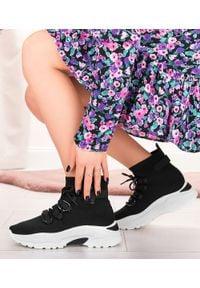 Buty sportowe damskie N/M K-69 Czarne. Zapięcie: bez zapięcia. Kolor: czarny. Materiał: guma, tkanina. Szerokość cholewki: normalna. Obcas: na obcasie. Wysokość obcasa: niski