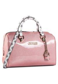 Różowy kuferek Guess